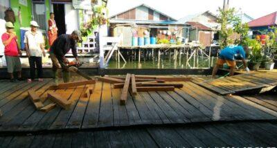 Proses pengerjaan program Padat Karya Tunai Kota Tanpa Kumuh (Foto: Istimewa)