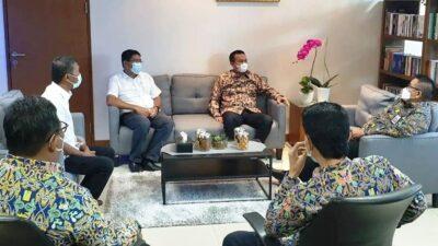 Direktorat Jenderal Perumahan Kementerian PUPR saat menerima Pemerintah Kota Pariaman (Foto: Dok Pemkot Pariaman)